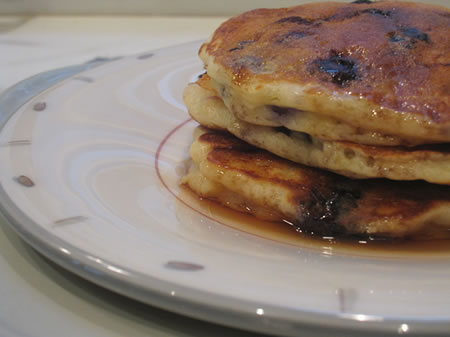 the most wonderful/busy time of the year – blueberry banana pancakes
