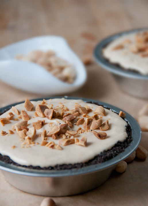 nice to meet you – a creamy peanut butter pie for mikey