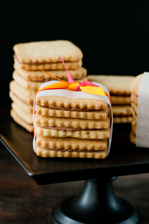 orange u dreamy — orange nutella sandwich cookies