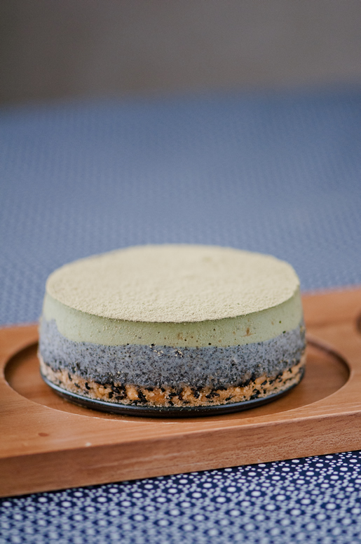turning japanese – individual matcha sesame cheesecake
