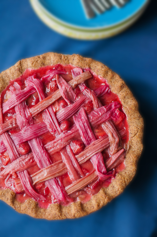 Fresh Strawberry-Rhubarb Pie (gluten-free)