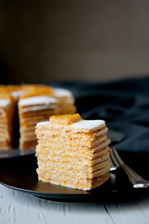 cake_pineapple_stack_main_2