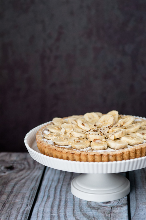 party on – banana frangipane tart