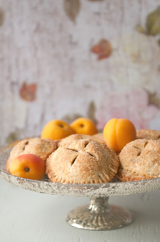a parisian in new york – brandied apricot-almond hand pie